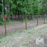 защитить столбы деревянные  толем или рубероидом не лучший выход