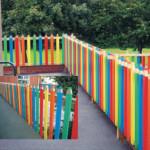 забор из штакетника, карандаши (защищенные крраской)