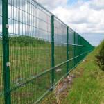 забор на сваях2jpg